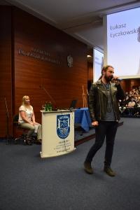 """Uwierz w siebie i wygraj pasję"""" – manifest złożony przez 460 uczniów lubuskich szkół podczas warsztatów w murach naszej Akademii, zapadnie w pamięci naszych zacnych gości_10"""