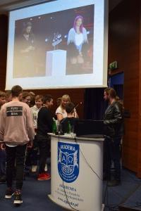 """Uwierz w siebie i wygraj pasję"""" – manifest złożony przez 460 uczniów lubuskich szkół podczas warsztatów w murach naszej Akademii, zapadnie w pamięci naszych zacnych gości_29"""