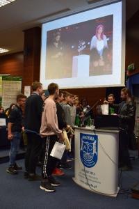 """Uwierz w siebie i wygraj pasję"""" – manifest złożony przez 460 uczniów lubuskich szkół podczas warsztatów w murach naszej Akademii, zapadnie w pamięci naszych zacnych gości_32"""